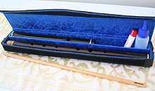Martin Doyle's flutes come in a robust case with cork grease and an oiling stick. Wooden cases are also available at extra cost.
